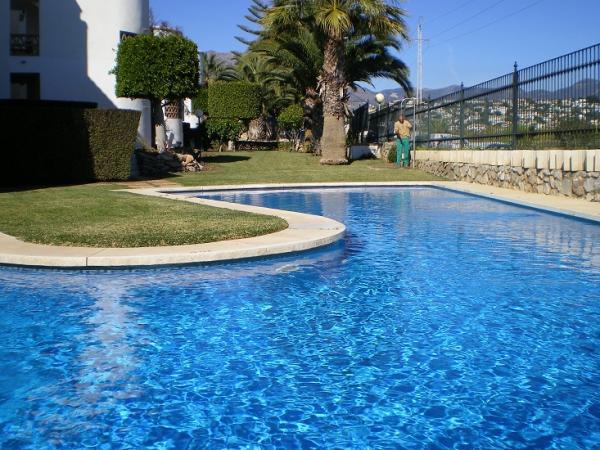 Jardineros benalmadena malaga gelimser empresa de for Empresas mantenimiento piscinas