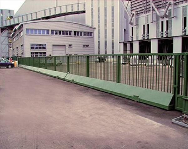 Puertas automaticas fuengirola malaga tecnipuertas for Puertas correderas malaga