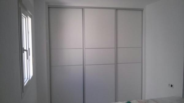 Armarios empotrados malaga gallery of montar las puertas - Montar puertas correderas ...
