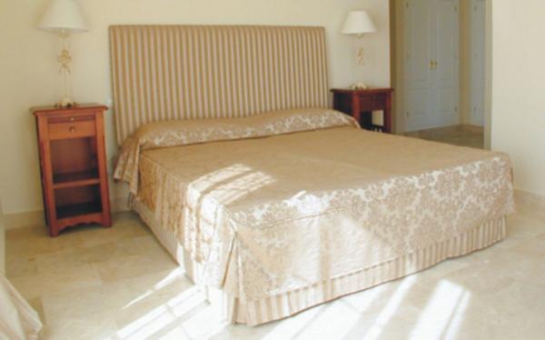 Tapicerias marbella malaga tapiceria la estepe a - Tapiceros en malaga ...