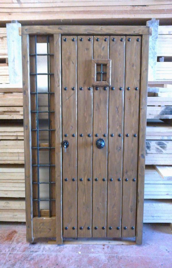 Carpinterias de madera coin malaga carpinter a de for Puertas de madera malaga