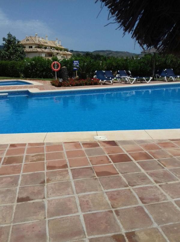 Mantenimiento de piscinas torremolinos malaga aranda for Piscina torremolinos